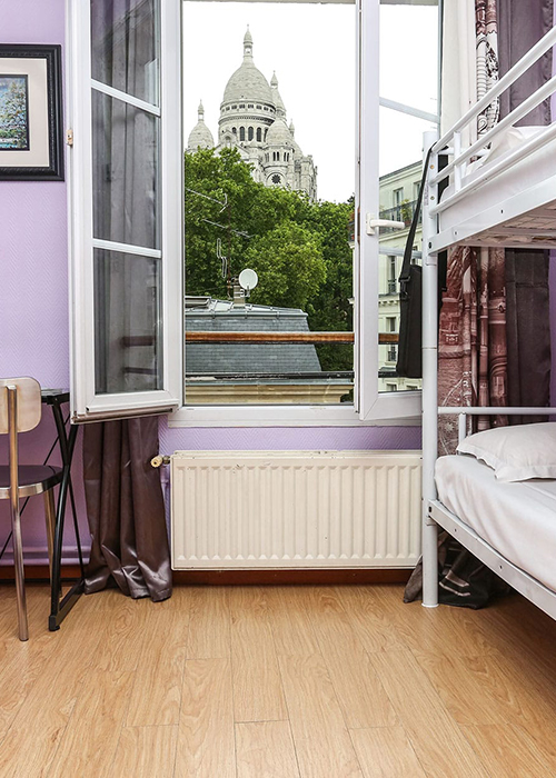 Village Hostel Montmartre, house with a view.